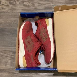 ASICS Gel Lyte III in burgundy